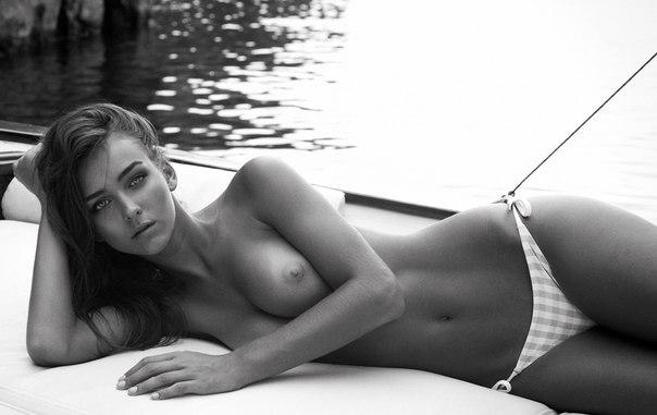 Рэйчел Кук (Rachel Cook) голая в журнале Treats ...: http://www.sexyviewer.ru/rejchel-kuk-rachel-cook-golaya-v-zhurnale-treats/