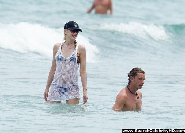 Гвен Стефани (Gwen Stefani) в бикини - SexyViewer.ru гвен стефани вк