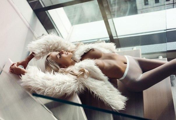 Liza Svistunova Nude